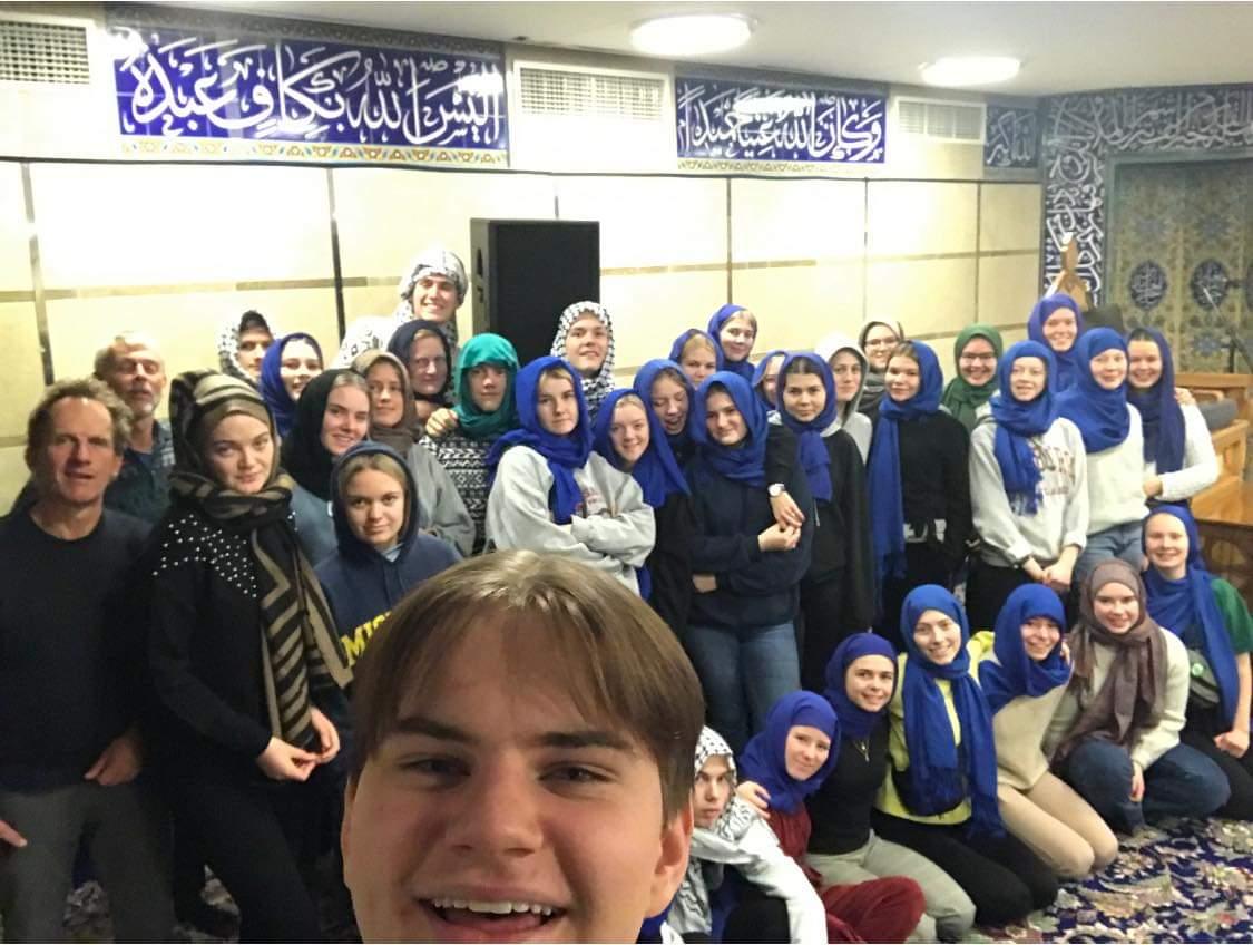 بازدیدکنندگان مسجد امام علی علیه السلام